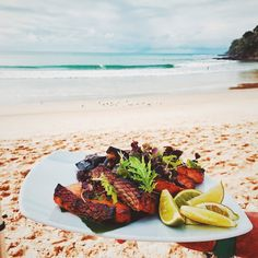 The Noosa International Food and Wine Festival runs for four days, with a number of delicious foodie events taking place... Including an incredible seafood lunch on Noosa Main Beach!