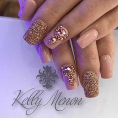 WEBSTA @ kelly_menon - www.tatacustomizaçãoecia.com.brManutenção da @rosangelariva ❤️ #acrilico #tones #pedrarias #simonetis #glitter #nails #instanails #antonioprado #kellymenoncentroestetico
