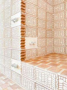 A Modest Retreat of Bold Craftsmanship in Can Picafort, Mallorca Architecture Restaurant, Brick Architecture, Architecture Details, Interior Architecture, Interior And Exterior, Deco Design, Tile Design, Brick Patterns, Floor Patterns