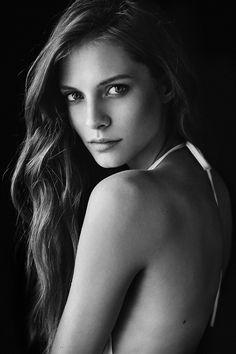 Lea on Behance Photography Women, Beauty Photography, Portrait Photography, Poses Photo, Picture Poses, Black And White Portraits, Black And White Photography, Model Face, Face Photo