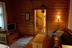 This lovingly renovated Olivia cottage accommodates 4-10 people