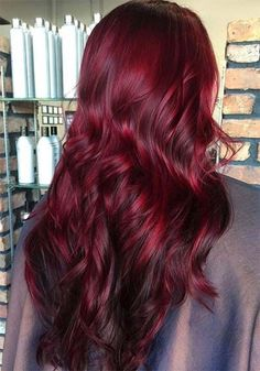 100 Badass Red Hair Colors: Auburn, Cherry, Copper, Burgundy Hair Shades Red hair colors will always have a warm place in my heart. I stuck to red and burgundy hair colors Purple Burgundy Hair Color, Hair Color Auburn, Hair Color Dark, Blonde Color, Cool Hair Color, Burgundy Highlights, Color Red, Peekaboo Highlights, Blonde Highlights