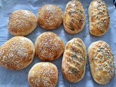 Odrywany chlebek z czosnkiem i ziołami - Blog z apetytem Hot Dog Buns, Hot Dogs, Polish Recipes, Polish Food, Diy Food, Baked Potato, Baking, Ethnic Recipes, Blog