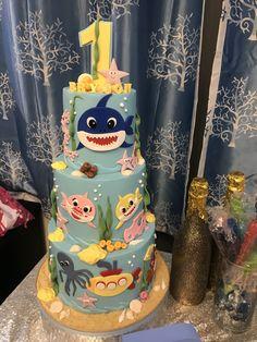 Shark Birthday Cakes, Birthday Cake Pops, Baby Boy 1st Birthday, Birthday Party Themes, Birthday Ideas, Shark Cake Pops, Baby Shark Do Do, Shark Party, Bolo Fake