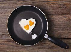 Fünf Tage ganz normal essen und nur zweiTage Eiweiß-Diät halten: Mit dieser simplen Formel purzeln zweiKilo und mehr wie von Zauberhand.