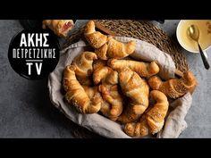 Εύκολα κρουασάν με ζαμπόν και τυρί Επ. 46   Kitchen Lab TV - YouTube Apple Pie, Sausage, Brunch, Chicken, Cooking, Easy, Breads, Desserts, Brot
