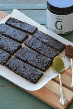 I'm always on the lookout for a good energy bar. Something that has plenty  of carbs for a pre or post workout snack and that also tastes good. I can't  always stomach a whole meal right before or after I train, but I know I  need the carbs to get me through my workout and to help with recovery.