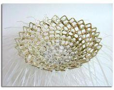 centro de mesa. hecho con chapas de latas reciclaje.19bis.com