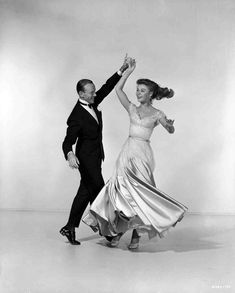Three Little Words - Full publicity shot of Fred Astaire as Bert Kalmar and Vera-Ellen as Jessie Brown dancing. Old Hollywood Glamour, Golden Age Of Hollywood, Lets Dance, Dance Pop, The Last Waltz, Vera Ellen, Turner Classic Movies, Fred Astaire, Beautiful Costumes