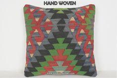 Kilim Pillow Homegrown Decorative Pillow Sofa #kilim #carpet #apartmenttherapy #farmhousestyle #oriental #homestyle #homedecorations #patio #homestyling #elledecor #jungolowstyle #vintagedecor #shabbychicdecor