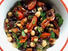 This delicious Balela Salad is perfect for a gluten-free, vegetarian, or vegan side, salad or dip option for summer entertaining Healthy Salads, Healthy Eating, Healthy Lunches, Middle Eastern Salads, Whole Food Recipes, Cooking Recipes, Cooking Games, Vegetarian Recipes, Healthy Recipes