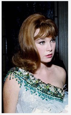 Hollywood Glamour, Old Hollywood, Classic Hollywood, Julie Newmar, Shirley Maclaine, Cosplay Outfits, Female Singers, Beautiful Actresses, American Actress