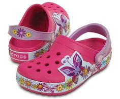 This Crocband™ edition is full of life and energy. The flower and butterfly raised graphics float around the bottom band and look like they may fly off the clog. Croslite™ foam construction gives kids plenty of cushion and comfort, and the heel strap gives them a more secure fit, too. Free shipping on qualifying orders.