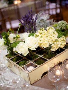 entrance table flowers with candles waste wedding reception, Nature Verte, Unique Centerpieces, Moss Centerpieces, Entrance Table, Wedding Decorations, Table Decorations, Vintage Planters, Table Flowers, Planter Boxes