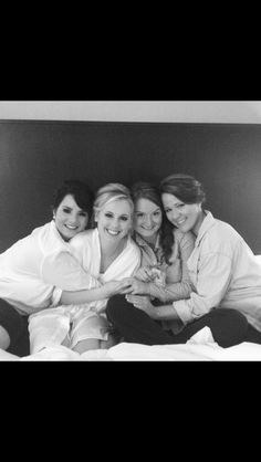 Bride and Bridesmaids getting ready photo!