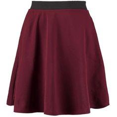 Boohoo Elena Elastic Waist Scuba Skater Skirt ($14) ❤ liked on Polyvore featuring skirts, bottoms, circle skirt, skater skirt, elastic waist skirt, flared skirt and purple skirt