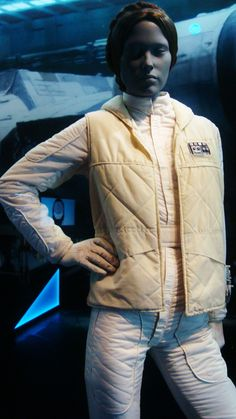 Leia's Hoth Outfit, this is the best halloween outfit, easy to find pieces that keep you warm!! lolol