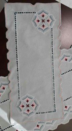 Supreme Best Stitches In Embroidery Ideas. Spectacular Best Stitches In Embroidery Ideas. Learn Embroidery, Hand Embroidery Stitches, Embroidery Techniques, Broderie Bargello, Patchwork Bags, Satin Stitch, Blackwork, Needlepoint, Cross Stitch Patterns