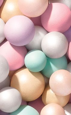 Colorful pastel palette of pearls perfect for the warm weather of spring. Soft Colors, Pastel Colors, Colours, Pastels, Cute Wallpapers, Wallpaper Backgrounds, Iphone Wallpaper, Pastell Make-up, Photo Trop Belle