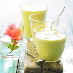 Découvrez la recette Smoothie à l'ananas sur cuisineactuelle.fr.
