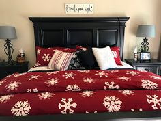Flannel red snowflake bedding is just what Kim's bedroom needed to make it feel all Christmassy A duvet cover and pillow shams. Flannel Duvet Cover, Christmas Bedroom, Pillow Shams, Snowflakes, Comforters, Duvet Covers, Christmas Decorations, Quilts, Blanket