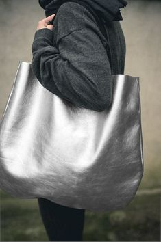 Silver Oversized Leather Hobo Bag, Tote bag in silver every day bag via Etsy. Tote Bags, Metallic Look, Metallic Leather, Silver Bags, Louis Vuitton Bags, Moda Casual, Day Bag, Big Bags, Hobo Bag