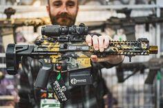 Military Weapons, Weapons Guns, Airsoft Guns, Guns And Ammo, Ar Pistol Build, Military Pictures, Custom Guns, Assault Rifle, Cool Guns