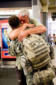 STRANGE MILITARY SOLDIERS - TROOPS COMING HOME! - NOTHING LIKE A HUG FROM DAD!
