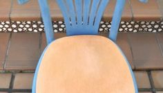 Use of wax or varnish after painting with chalk paint rnrnSource by Painting On Wood, Dining Chairs, Wax, Rustic, Cool Stuff, Furniture, Home Decor, Azul Real, Laundry