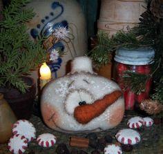"Primitive Frosty Snowflake Ornament 5"" Snowman Doll Vtg Patti's Ratties Bear"