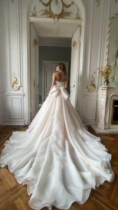 Cute Wedding Dress, Dream Wedding Dresses, Bridal Dresses, Wedding Gowns, Dramatic Wedding Dresses, Princess Wedding Dresses, Pretty Dresses, Beautiful Dresses, Wedding Outfits