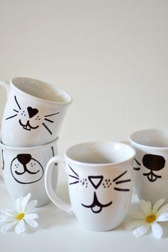 taza blanca gato