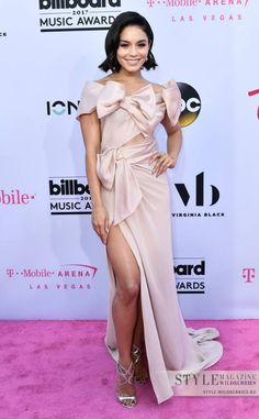 10-ка лучших нарядов знаменитостей на Billboard Music Awards-2017