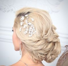 Romantic Wedding Hair, Wedding Hairstyles, Earrings, Inspiration, Jewelry, Fashion, Ear Rings, Biblical Inspiration, Moda