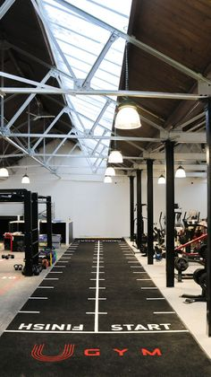 * Amazing indoor astro turf sprint track in Scotland Gym Design at UGym - Amazing Super Amazing indoor astro . Indoor Track, Indoor Gym, Gym Architecture, Gym Room At Home, Home Gyms, Sport Studio, Gym Setup, Dream Gym, Gym Facilities