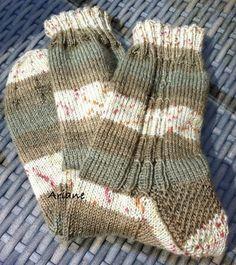 ... für 4-fach Sockenwolle, Männertauglich, Anfängertauglich von mir kreiert für einen sehr netten Schwiegerenkelsohn.   Muster geht über 1...