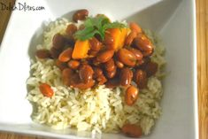 Habichuelas Guisadas (Puerto Rican Stewed Beans) are an essential Puerto Rican side dish. They're simple to make, and bursting with Latin flavors! Puerto Rican Beans, Puerto Rican Recipes, Puerto Rican Red Beans And Rice Recipe, Habichuelas Guisadas Recipe, Puerto Rico, Sofrito Recipe, Grilled Lamb, Low Sodium Chicken Broth, Arroz Con Pollo