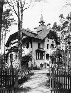 Vintage Architecture, Art Nouveau Architecture, Architecture Design, Berlin, Villa, Mansions Homes, Toulouse, Old Photos, Beautiful Homes