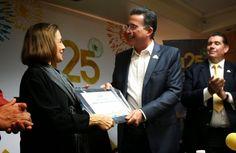 SEMANARIO BALUN CANAN: Recibe Diana Bracho reconocimiento de manos del Al...