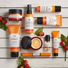 Buy Vitamin C Skin Boost Instant Smoother from The Body Shop Create a youthful glow with Vitamin C Skin Boost A light refreshing serum with mineral glowing particles it b. The Body Shop, Body Shop At Home, Beauty Care, Beauty Skin, Beauty Hacks, Beauty Tips, Diy Beauty, Beauty Products, Homemade Beauty