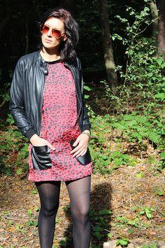 LA Sisters Bomber leatherlike # Missy Taylor jurk panterprint € 78,95 / € 79,95 #lasisters #bomber #bomberjack #jack #jas #jasje #jasjes #jassen #leer #nepleer #kortejas #stoer #zwart #black #missytaylor #jurk #jurkje #jurken #panter #panterprint #dierenprint #edgy #mode #fashion #kleding #inspiratie #inspiration #moderood #moderoodblog