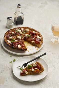 Tomato Tarte Tatin, Savory Tart, Good Food, Fun Food, Oven Recipes, Bruschetta, Centre, Quiches, Cooking