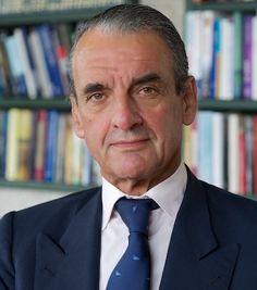 Mario Conde [SCD] se presenta a presidente de la Comunidad Autónoma Gallega.