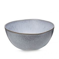 This salad bowl from the Danish brand H. Skjalm P. is perfect for a perfectly styled table. The bowl has a lilac color.