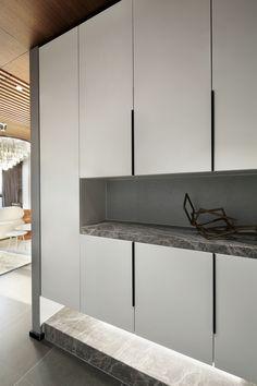 Apartment Interior, Kitchen Interior, Home Interior Design, Wardrobe Door Designs, Closet Designs, Shoe Cabinet Design, Fitted Bedroom Furniture, Flur Design, India Home Decor