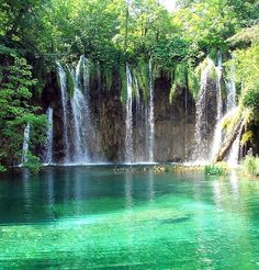 Holy goodness!! Sooooooo pretty!  The Plitvice Lakes - Croatia