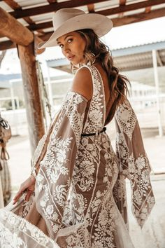Rue de Seine designs beautiful chic wedding gowns and bridal dresses for the modern bride inspired by the romance of the Rue de Seine, Paris and sold… Western Wedding Dresses, Bohemian Wedding Dresses, Dream Wedding Dresses, Bridal Dresses, Bohemian White Dress, Bohemian Weddings, Indian Weddings, Making A Wedding Dress, Perfect Wedding Dress
