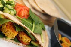 žít vege: falafel a domácí pita chléb Falafel, Meal Ideas, Tacos, Healthy Recipes, Meals, Ethnic Recipes, Food, Health Recipes, Meal