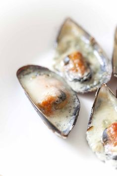 Baked Mussels with Roquefort
