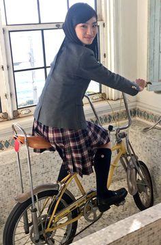 さくら学院 職員室 @sakura_shokuin  4月4日   本日は岡田愛の15歳のお誕生日です! おめでとう(´▽`)めぐはご存知の通りあざといですが…地頭が良く、いつも客観的に物事を見て、冷静に問題点を分析できるのが心強いなぁと思います!いよいよ最上級生!考え込んじゃうところがあるから、ちょっと力抜いてみんなの拠り所になってね☆